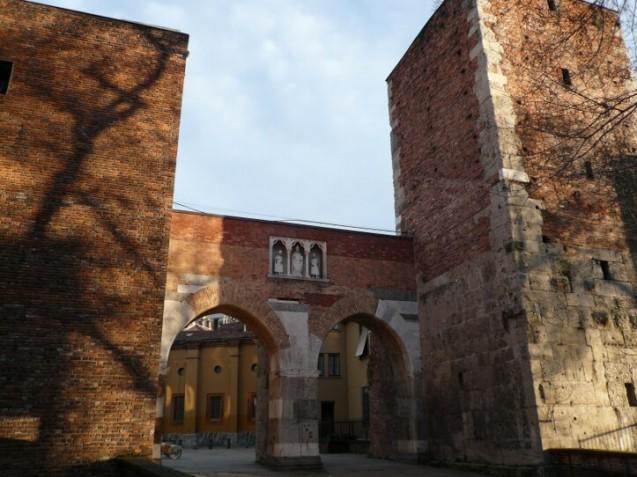 Gate of Sant'Ambrogio, Milan-sm