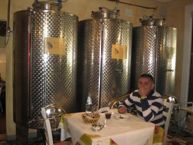 Vino sfuso in cisterns